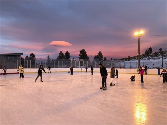 Picture of public skate at Mammoth Ice Rink